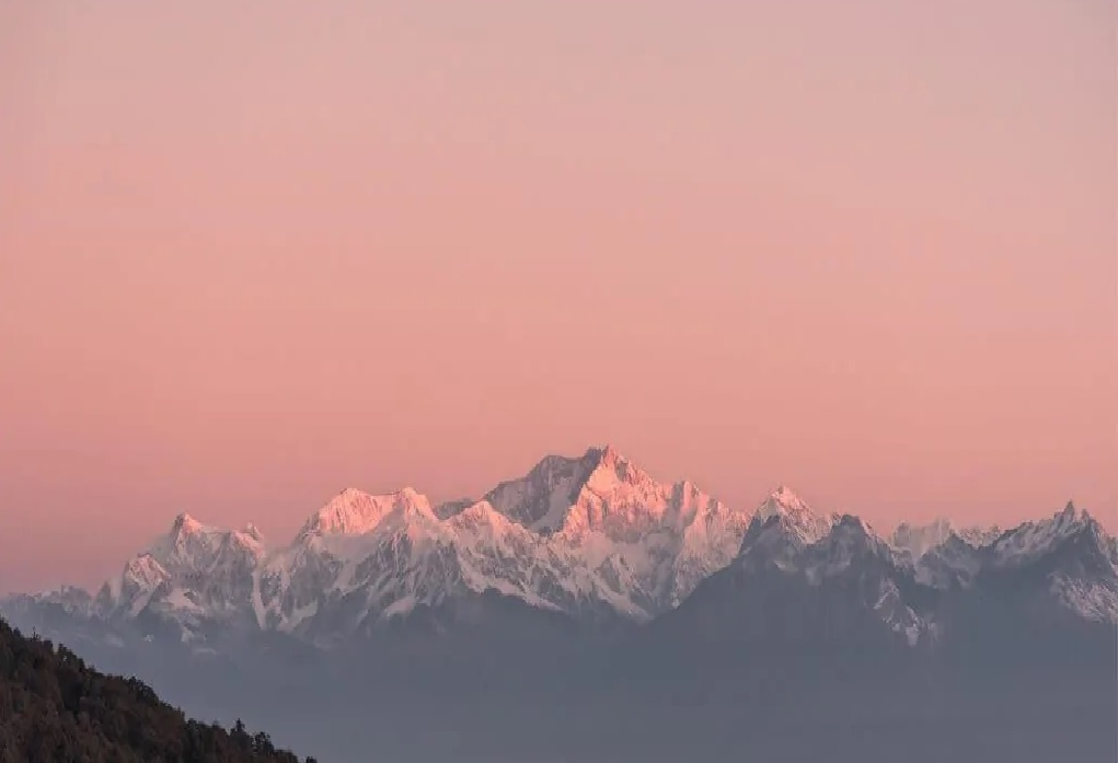 View of Mt. Khangchendzonga from Darjeeling